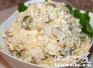 """Салат с консервированными кальмарами и сыром """"Кураж"""""""