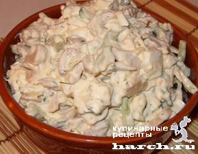 """Салат из консервированного кальмара с грибами """"Русалочка"""""""