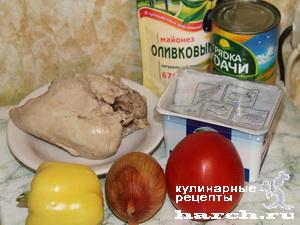 Салат из курицы с брынзой и грибами