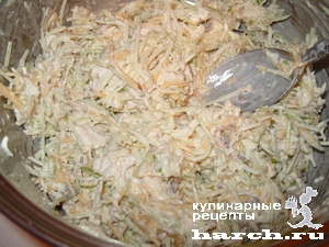 """Салат из куриного филе с зеленой редькой """"Жакки"""""""