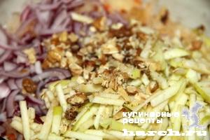 salat is kvashenoy kapusti s greckimi orehami kizlyarskiy 3 Салат из квашеной капусты с грецкими орехами Кизлярский