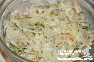 salat is kvashenoy kapusti s kalmarami po sahalinsky 2 Салат из квашеной капусты с кальмарами по сахалински