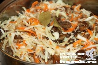 salat is opyat s kapustoy pskovskiy 07 Салат из опят с капустой Псковский