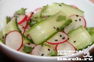 Салат из редиса с огурцом по-японски