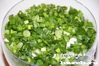 Салат из редиса с плавленым сыром и зеленым луком