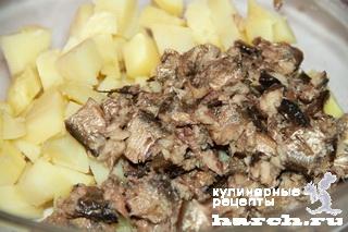 Салат со шпротами и горошком