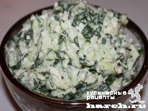 Салат из сырой цветной капусты с огурцом