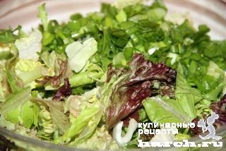Салат из свежих огурцов с сельдереем