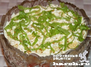 Салат с сайрой консервированной помидорами
