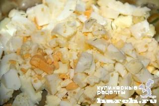 Салат-паста из сайры с сельдереем