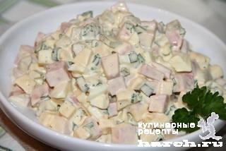 яиц колбасы из Салат