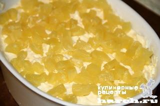 Салат с крабовыми палочками и сайрой