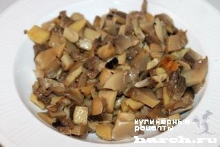 Салат с мясом и грибами Украина