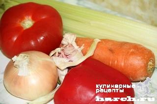 Сельдерей, тушеный с томатом