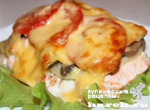 Семга запеченная в духовке с помидорами и сыром рецепт