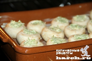 shampinioni zapechenie s chesnochnim maslom 3 Шампиньоны, запеченные с чесночным маслом