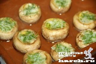 shampinioni zapechenie s chesnochnim maslom 4 Шампиньоны, запеченные с чесночным маслом