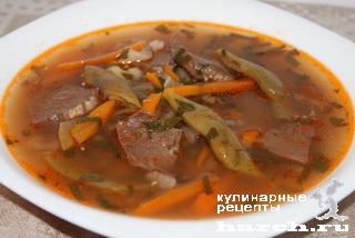 Суп-гуляш с говяжьим сердцем и зеленой фасолью