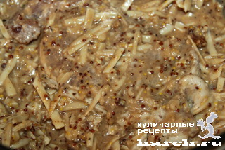 Свинина в орехово-сырной корочке