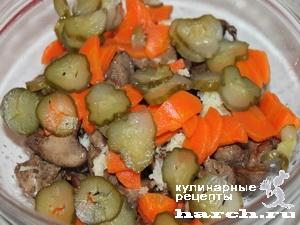 Теплый салат из куриной печени в лаваше