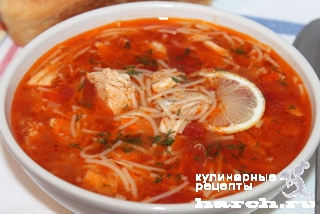 Томатный суп с курицей и вермишелью по-турецки