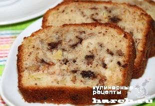 Яблочный кекс с орехами и шоколадом
