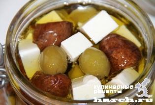 Закусочные грибы с фетой и оливками