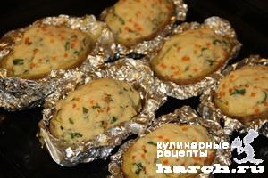Запеченный картофель с икрой