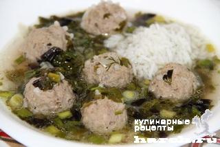 Зеленый суп с фрикадельками